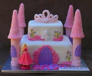 castle-cake-idea-for-girls